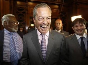 Farage'dan Johnson'a seçimde ittifak teklifi