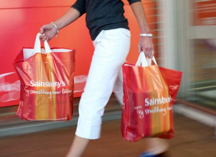 Sainsbury's 3 bin 500 kişiyi işten çıkarıyor