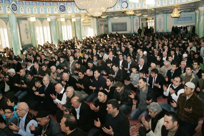 Müslümanlar Kurban Bayramında camileri dolduracak
