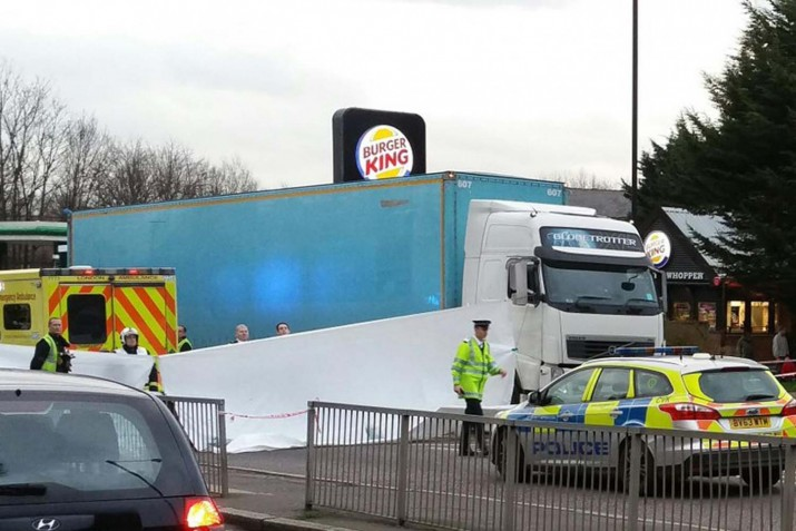 Elderly man dies after a collision with a lorry