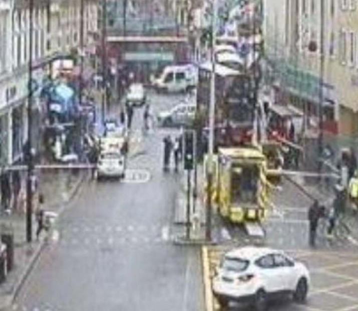 Dalston'da trafik kazası: İkisi ağır üç yaralı