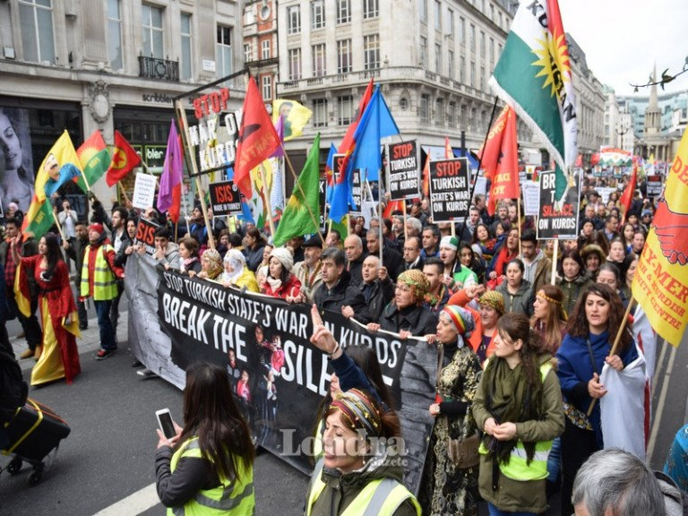 Cizre ve Sur için Londra'da büyük eylem