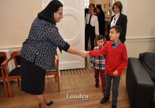 23 Nisan Çocukları Oya Tuncalı'yı ziyaret etti