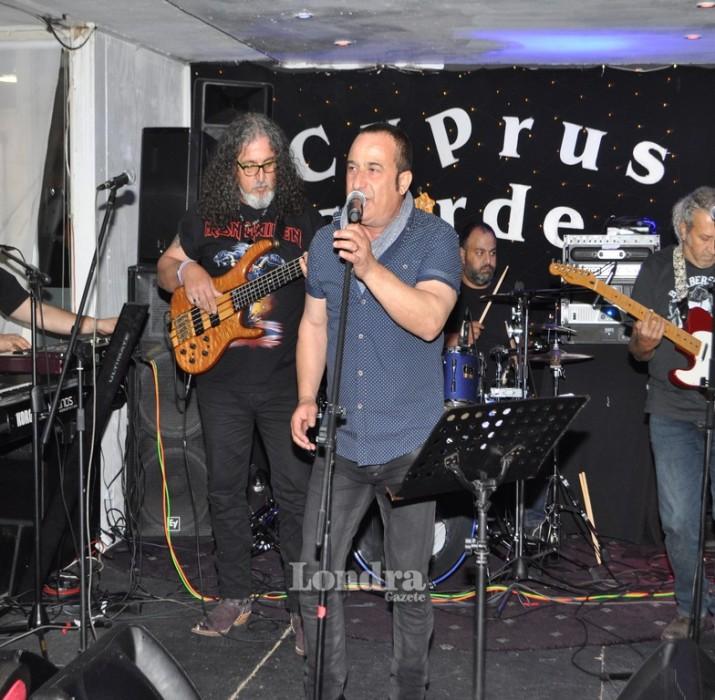 Grup SOS ve Arif Edizer Londra'yı salladı!