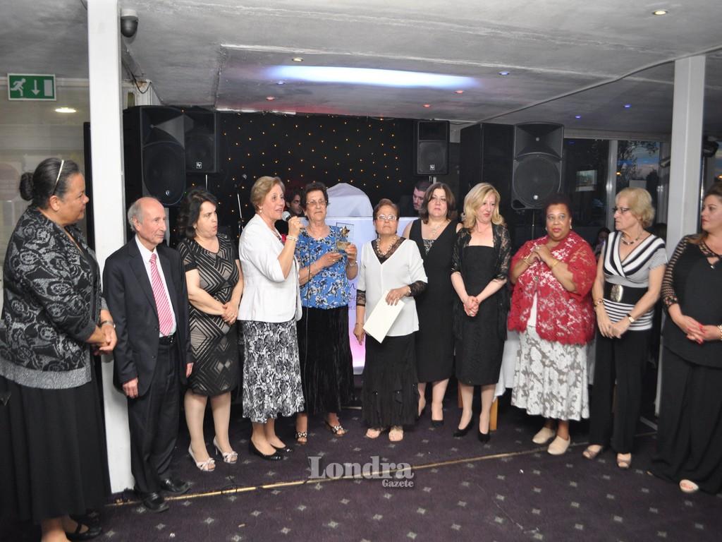 Limasollular Derneği anneler gününü kutladı