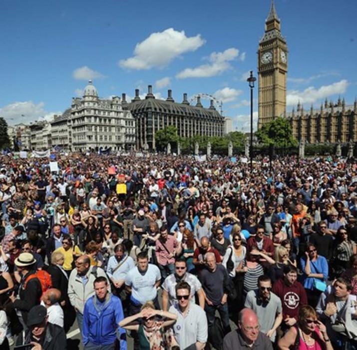 Brexit karşıtı binlerce eylemci biraraya geldi
