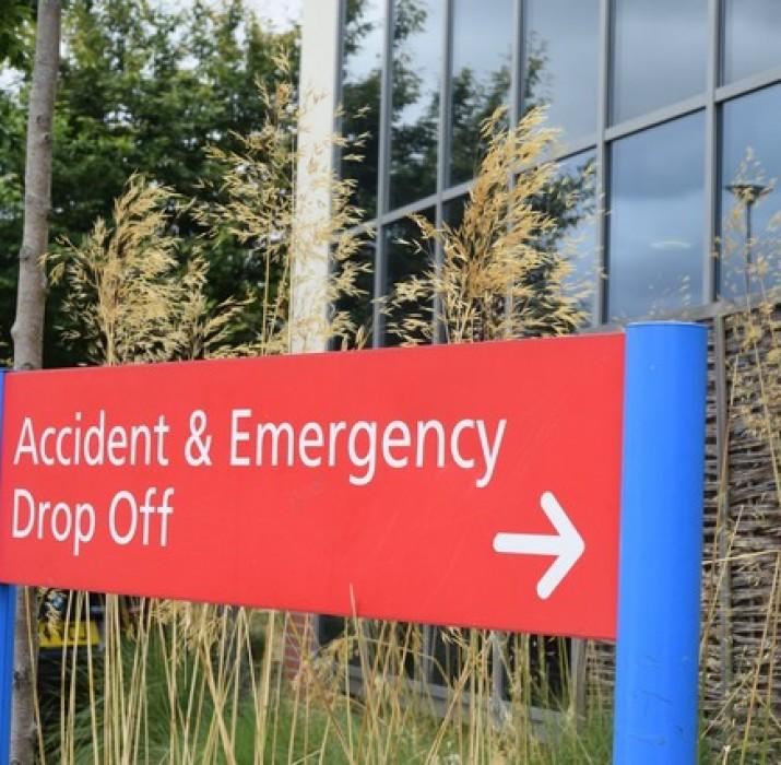 North Middlesex Hastanesi: Durum iyiye gidiyor