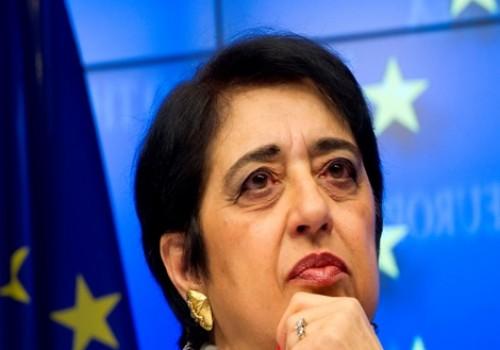 Eski Güney Kıbrıs Dışişleri Bakanı Kıbrıslı Türkler'den özür diledi