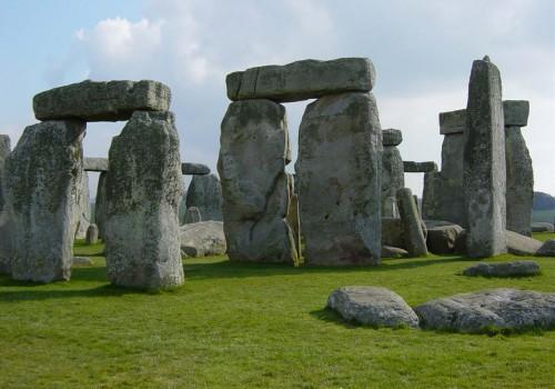 Stonehenge megalitleri: Bilim insanları 5 bin yıllık 'asılı taşlar'ın gizemini çözdü