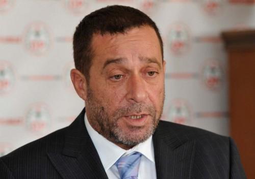 Serdar Denktaş partisinin Genel Başkanlık görevini bıraktı