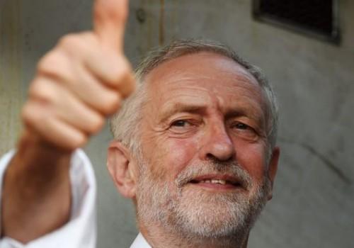Jeremy Corbyn'in parti üyeliğinin devamına karar verildi