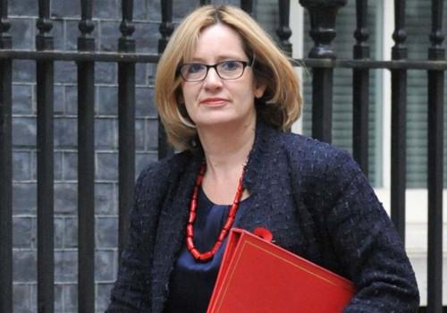 Çalışma ve Emeklilik Bakanı Amber Rudd da istifa etti