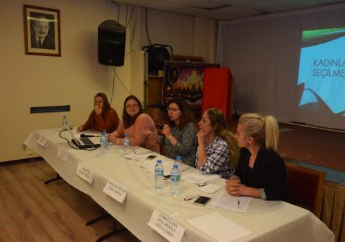 Cemevi'nde kadın hastalıkları aile danışmanlığı paneli düzenlendi
