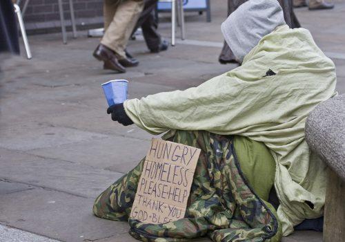 Londra'da soğuklar nedeniyle evsizlere acil sığınma evleri