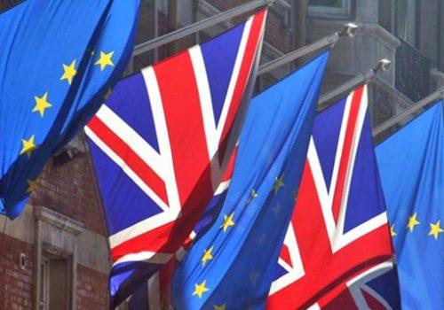 AP İngiltere'nin 'Bürokratik Duvarı' için komisyon kuracak