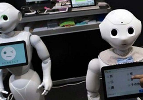 İnsansı robotlardan yaşlılara bakım hizmeti