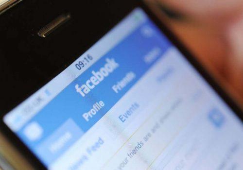 Facebook closes 3 billion fake accounts