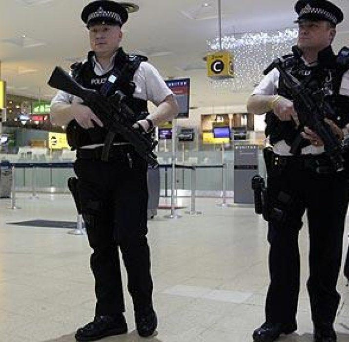 Terörist şüphelisi Türkiye yolunda tutuklandı