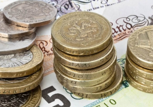 İngiliz sterlini istifalarla değer kaybediyor!