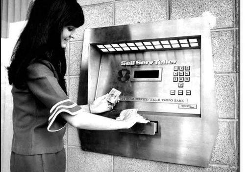 İlk para çekme makinesi 50 yaşında
