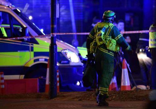 London Bridge'de bir kişi aracını yayaların üzerine sürdü, ölenler var