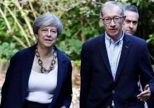 Başbakan May'in üzerindeki baskı artıyor