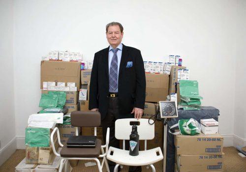 Dr. Teoman'dan Kıbrıs'a tıbbi yardım
