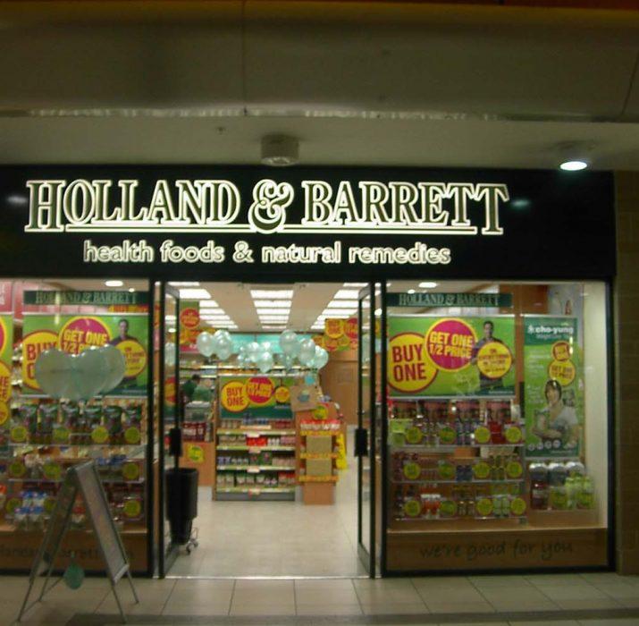Holland & Barrett, Rus milyarderin oldu