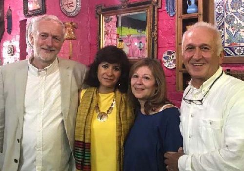 İşçi Partisi, zaferini bir Türk restoranında kutladı