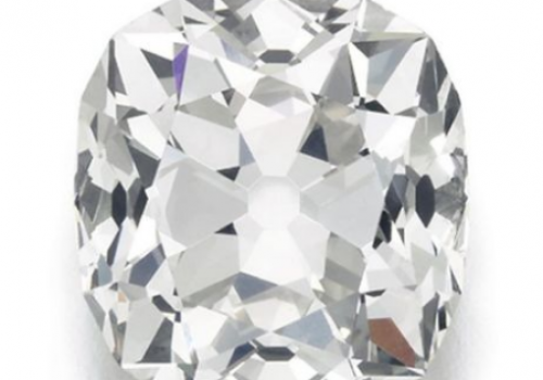 10 pound'a aldığı yüzüğü 650 bin pound'a sattı