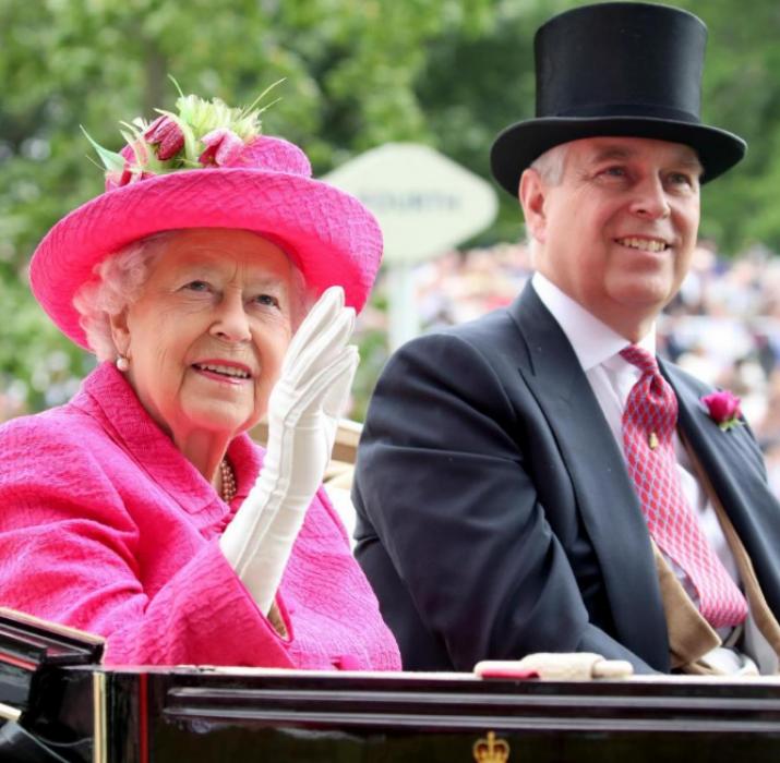 Royal Ascot'ta atlar kadar kıyafetlerde yarıştı