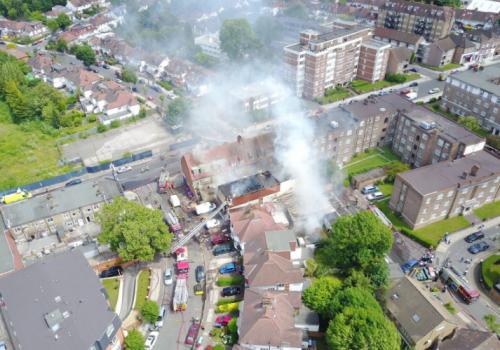 Golders Green'de yangın paniği (VIDEO)