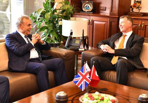 İngiliz Büyükelçi'den İzmir'e Fitch övgüsü