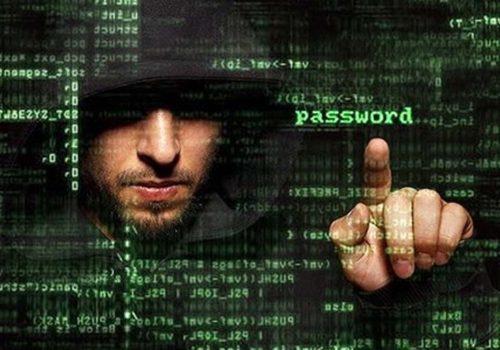 İngiliz hacker, Pentagon'un bilgilerini çaldığını kabul etti