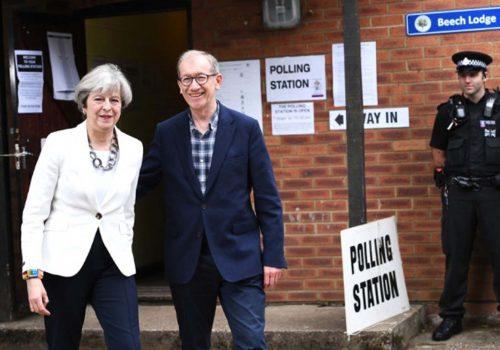 İngiltere'de oy verme işlemi sürüyor