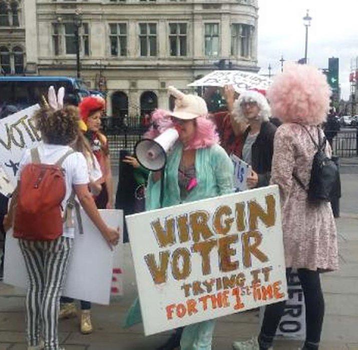 Oy vermeye teşvik için 'Bakire Seçmenler' Hareketi