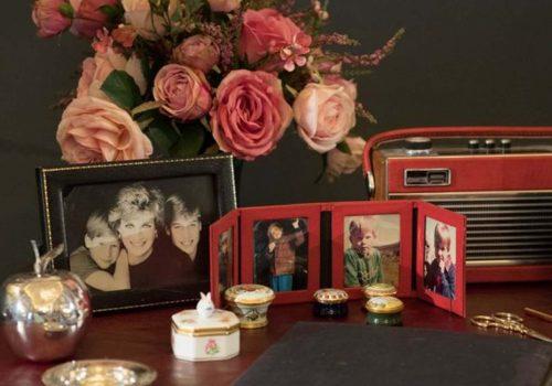 Diana'nın eşyaları Buckingham'da sergilenecek