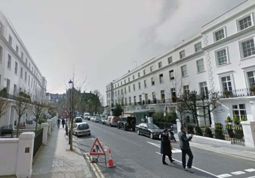 Kensington moped attack: Man left with facial injuries