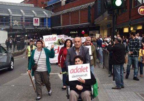 Londra'da adalet yürüyüşü gerçekleşti