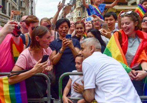 'Pride İn London' yürüyüşü büyük İlgi gördü