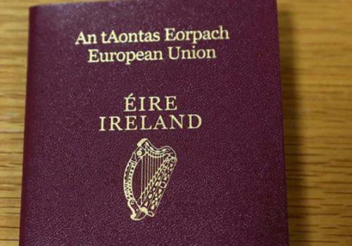 Birleşik Krallık'ta İrlanda pasaportuna talep arttı