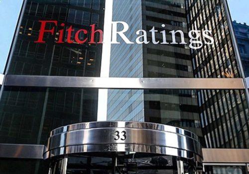 Fitch: Türkiye, Lira'yı güçlendirmek için yeterli çabayı göstermiyor; faiz artırma ihtimali yüksek