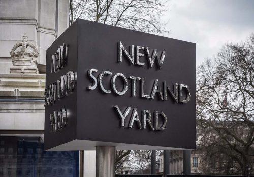 Londralılar asit saldırıları ve kapkaç için ne düşünüyor?