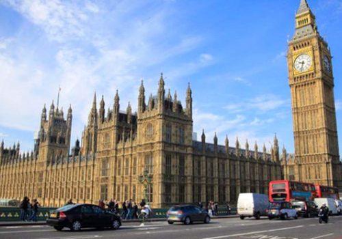 İngiltere Parlamentosu yangın alarmı nedeniyle tahliye edildi