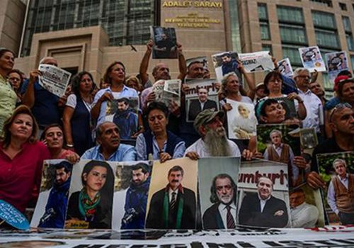 Turkey's main opposition leader accuses prosecutors in daily Cumhuriyet case of being Gülenists