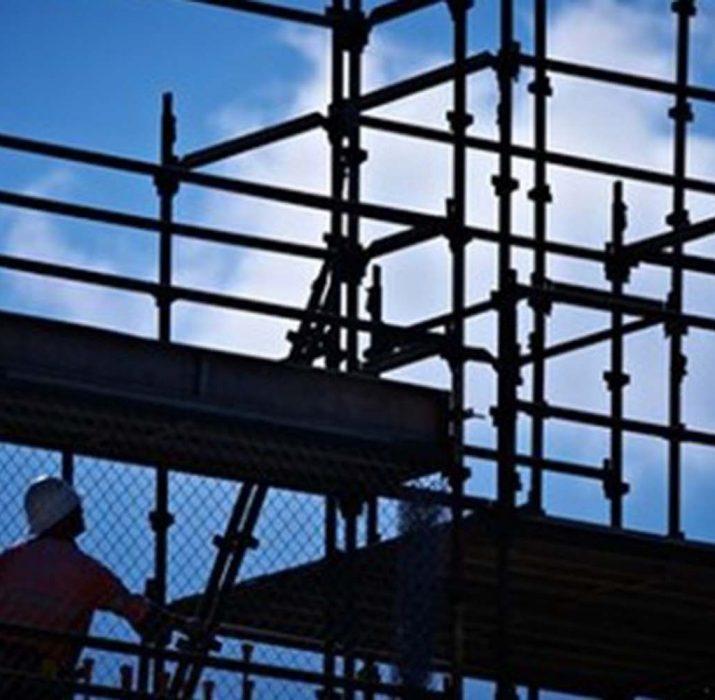 İngiltere'de inşaat sektörü büyümesi 11 ayın dibinde
