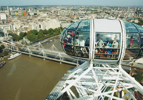 Sterlindeki düşüş İngiltere'ye gelen turist sayısını artırdı