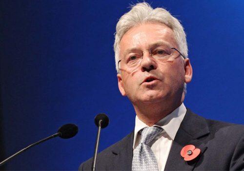 AB Bakanı Alan Duncan istifa etti