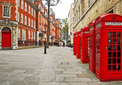 """Londra'nın simgesi """"kırmızı telefon kulübeleri"""" kaldırılıyor"""