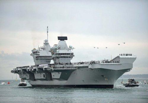 İngiltere'nin yaklaşık 4 milyar dolarlık uçak gemisinde sızıntı bulundu, tatbikat yarıda kesildi